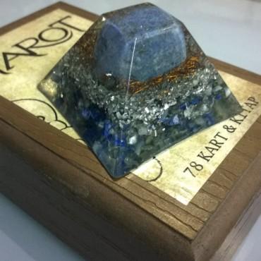 Lapis Lazuli ve Sodalit Taşlı Piramit Orgonit