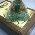 Yeşim ve Aventurin Taşlı Piramit Orgonit